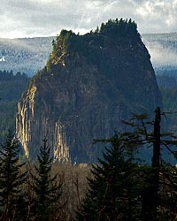Present-day view of Beacon Rock from the Oregon side