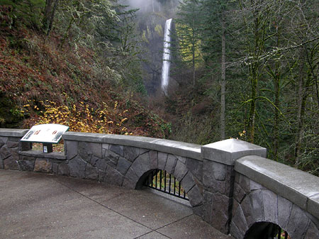 Latourell Falls from the new plaza overlook (with the interpretive sign on the left)