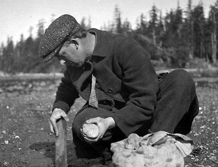 Alva Day clamming in Ketchikan - 1917 (Source: Hood River History)