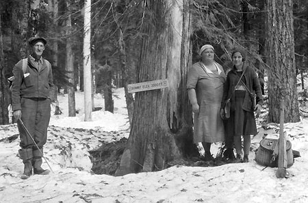 Snow at the lake? Not unusual in early summer  (Source: Hood River History)