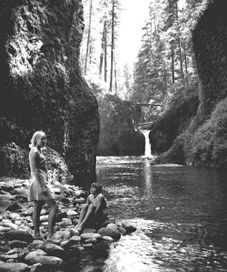The scene at Punch Bowl Falls hasn't changed much since this 1960s tourism photo was captured
