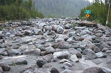 The November 2006 debris flows in the White River canyon buried Highway 35 in boulders (ODOT)