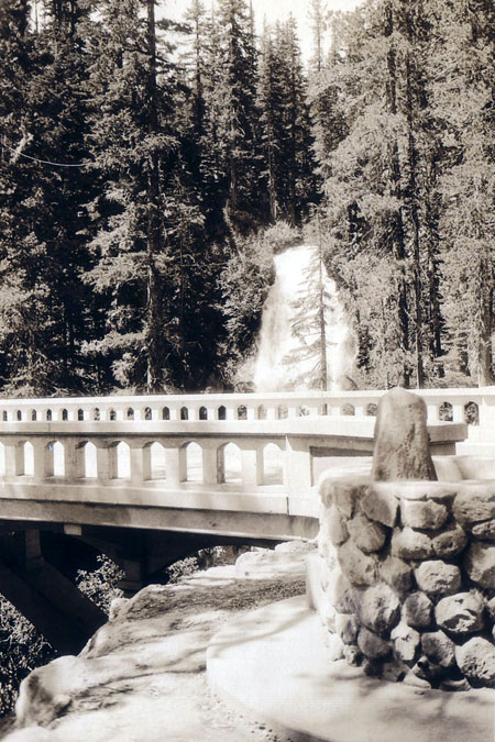 Sparkling new Sahalie Falls bridge and fountain in the early 1930s