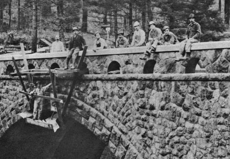Stonemasons on the recently completed Eagle Creek Bridge in 1915