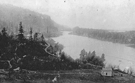 1890s view of George Shepperd's farm on the Columbia, located just east of Shepperd's Dell (Photo courtesy Rosemary Guttridge)