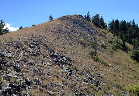 The open summit ridge of Shellrock Mountain