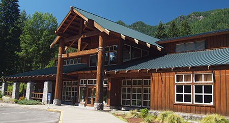 The grand Detroit Lake Ranger Station and visitors center