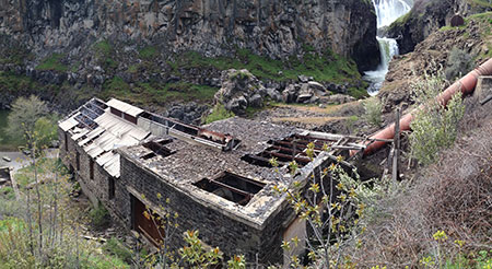 The old powerhouse at White River Falls