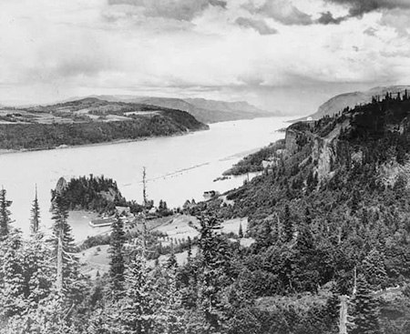 Early 1900s view of Crown Point, Echo Bay, Rooster Rock and the salmon cannery from Chanticleer Point.